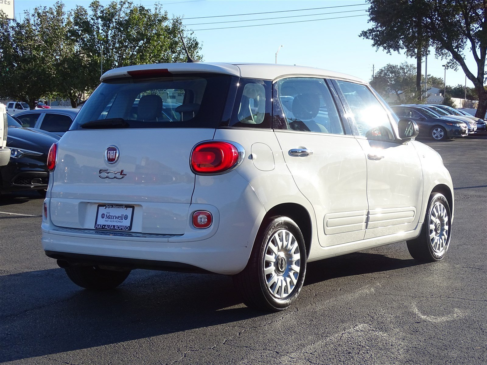 Certified Pre Owned 2015 FIAT 500L Pop Hatchback in Taylor FZ